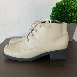 Pazzo Play Penny Cream Ivory White Boots size 8